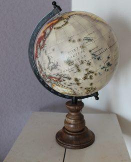 wereldbol hout (1)